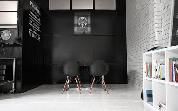 I M A Fan Of Stark Minimalist Design When It Comes To Office Es So Loved Stumbling Across These Images The Candy Black Studio In Uk