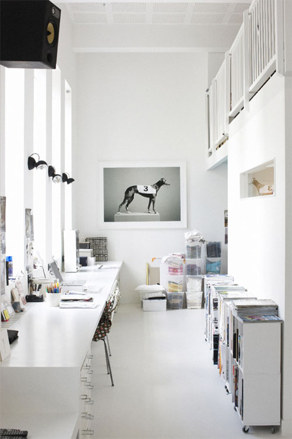 28 Dreamy Home Offices With Libraries For Creative Inspiration: Offices I'd Be Delighted To Work In